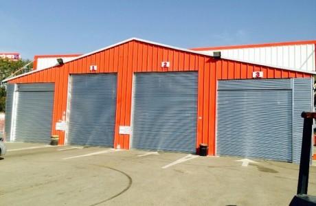 דלתות גלילה ממתגת למוסך